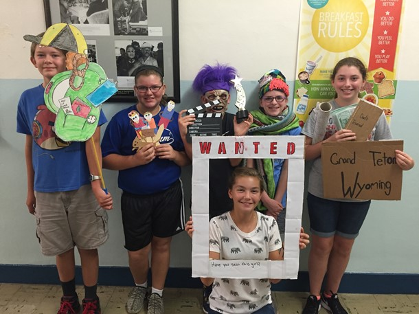 7th Grade Summer Reading Photo Booth